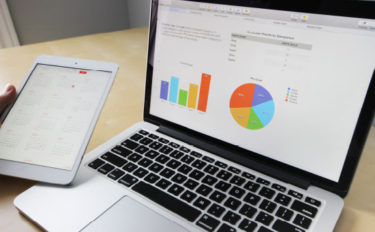 データアナリストはデジタルマーケティング業界で人材難。仕事内容や適性は?