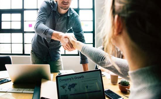 人材業界からWEB広告業界への転職希望者必見!業界の成長性・活躍できる人材とは?