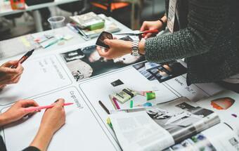 広告代理店における小規模案件と大手案件の広告運用の違い