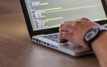 エンジニアのWEB広告代理店での主な業務内容や求められるスキルとは?